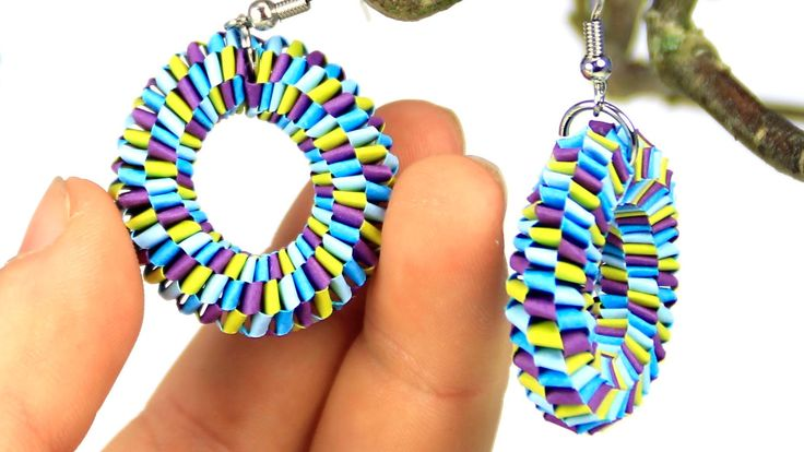 Earrings with quilling strips