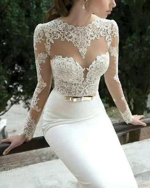 This dress is ridiculous! Love the lace...