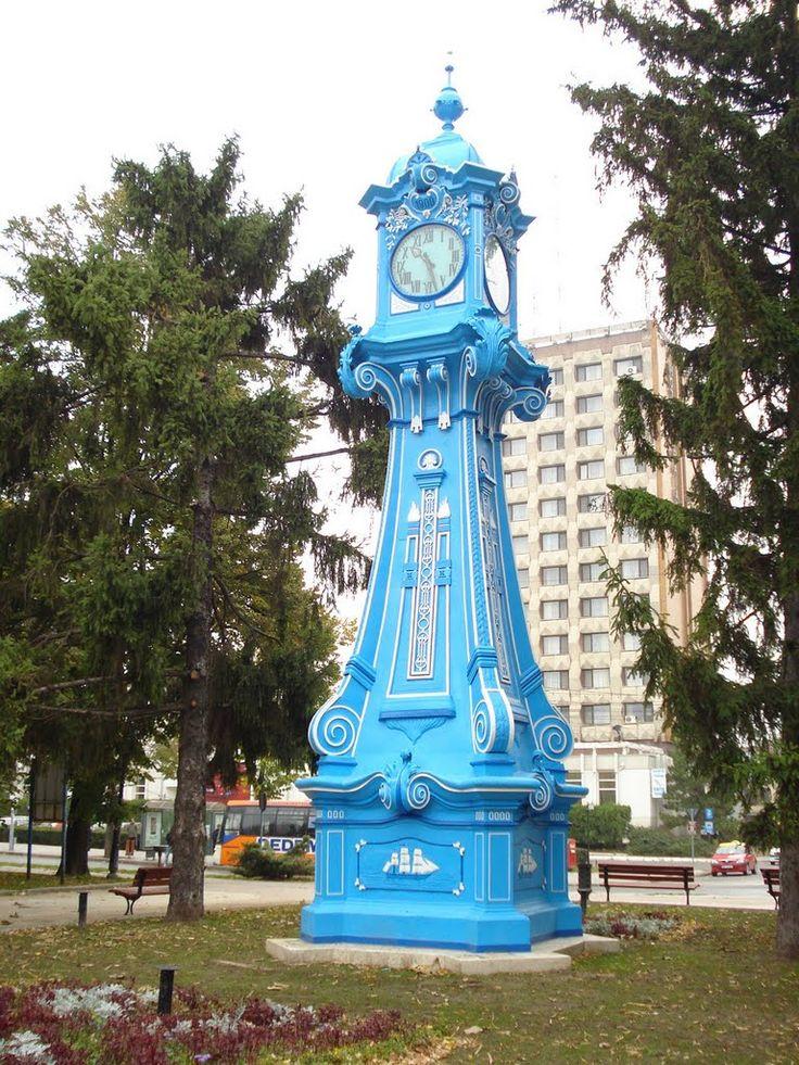 """Ceasul """"Valurile Dunarii"""", Piata Traian, Centru, Brăila, Romania - photo by Andreea Cristiana, via Panoramio"""