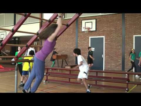 Freerunning OBS De Tweemaster groep 8 GD 2012 - YouTube