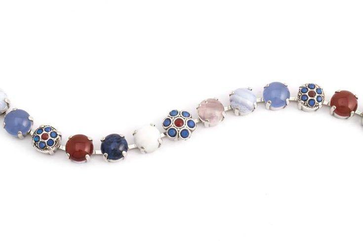 Koop een blauwe ketting met Swarovski Elements kristallen en edelstenen bij de nummer 1 in geweldige sieraden in Nederland.