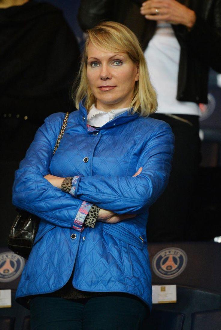 Margarita Louis-Dreyfus, veuve de l'actionnaire majoritaire du club de l'Olympique de Marseille Robert Louis-Dreyfus, a annoncé la mise en vente du club, quelques jours après avoir été traité de « femme au foyer » par des supporters mécontents.