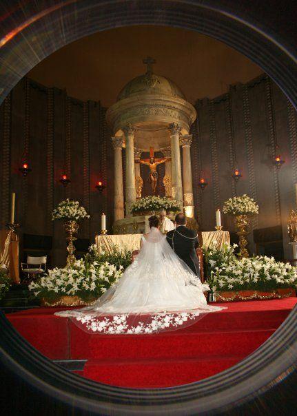 Decoración de iglesia, decoración floral en la Parroquia de San Agustin, polanco
