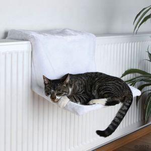 """Trixie Radiatorhangmat """"Ligkuiltje de Luxe""""  Voor een knuffelige ontspanning aan de lekker warme verwarming, pluche, verstelbaar.   € 9,90"""