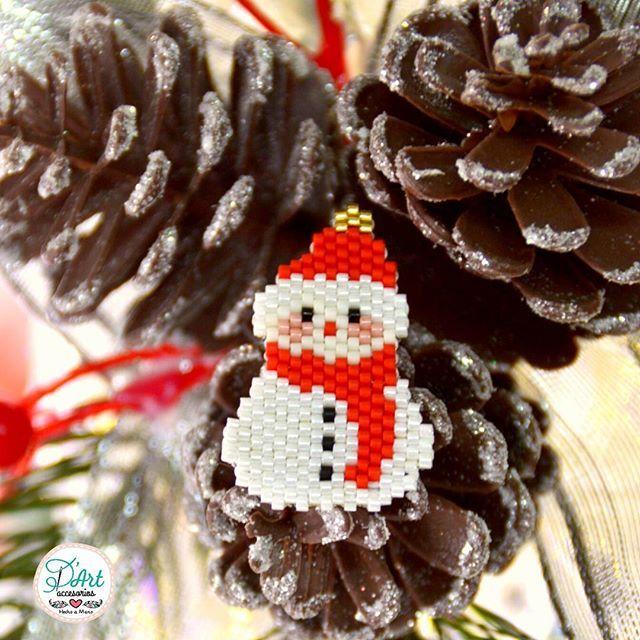☃ Se aproxima Navidad ☃ llegan días especiales es los que puedes lucir un lindo pin al estilo D'Art 😄 📷 By Yessika Hernández @yessikhd #accesoriosDArt #ginnaandyessika #hechoamano #hechoencolombia 🇨🇴 #bogota #meencanta #handmade #muñecodenieve #navidad #FelizDomingo #seacercanavidad #diasespeciales #diseño #style #moda #modonavidad #photography #photograph #photographer #regalos #elmejoregalo