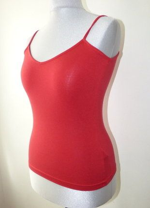 À vendre sur #vintedfrance ! http://www.vinted.fr/mode-femmes/debardeurs/31622413-debardeur-bretelle-mexx-couleur-rouge