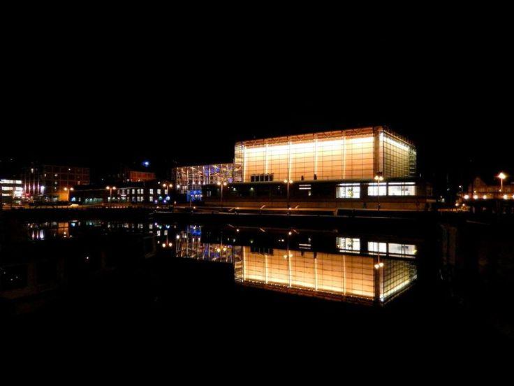 Sibeliustalo at night