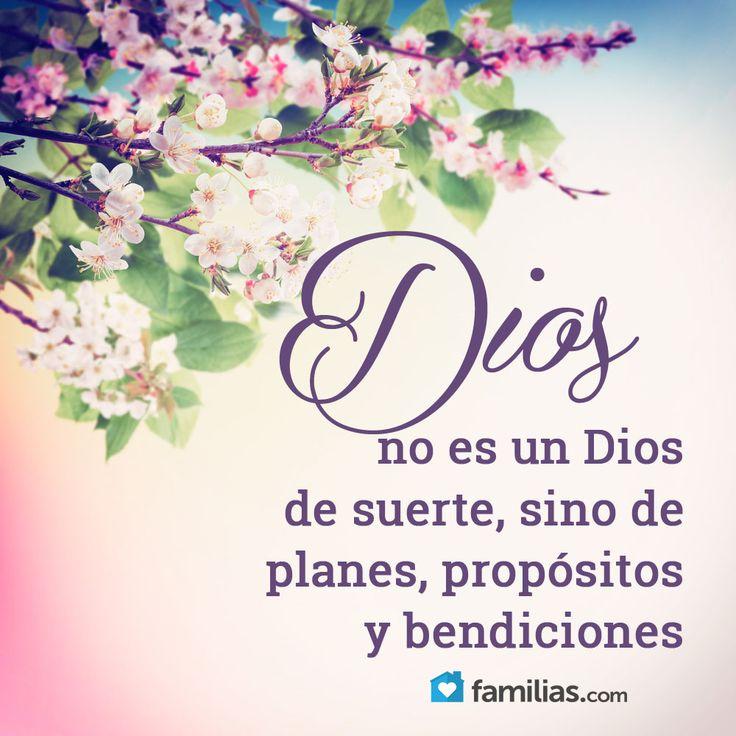 Salmos 138:8 Jehová cumplirá su propósito en mí; Tu misericordia, oh Jehová, es para siempre; No desampares la obra de tus manos.♔