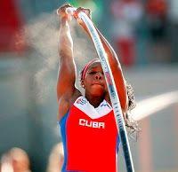 Blog Esportivo do Suíço:  Murer perde de novo para rival cubana e fica com a prata no salto com vara