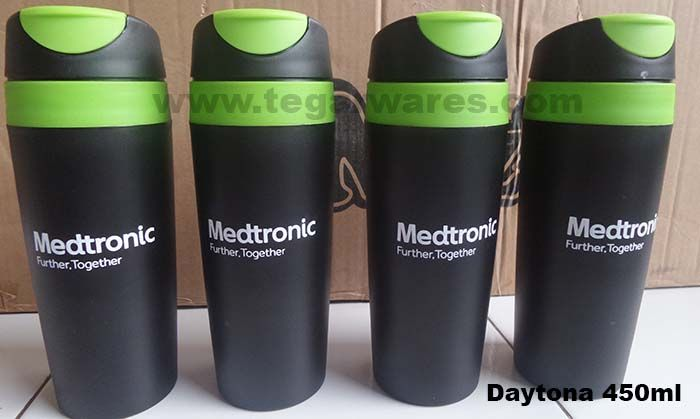 Tumbler with lid black and green splats Tosca. The right choice to be used as merchandise for the pharmaceutical companies or medical equipment provider, to distribution to the buyer of your products, or prospective customer that you prospects. As shown above Daytona 450ml tumbler-type print one color logo ordered by PT Medtronic Indonesia, Jakarta. Indonesia