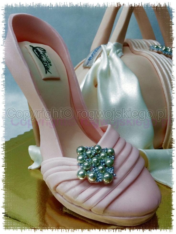 tort szpilki i torebka, tort torebka, tort dla kobiety, prezent dla kobiety, pomysł na prezent dla kobiety
