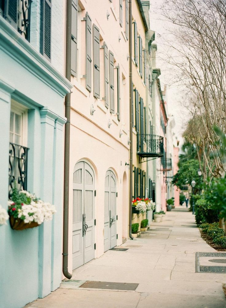 been there!  one of my favorite places in the world - such a beautiful city :)  ****Charleston, SC