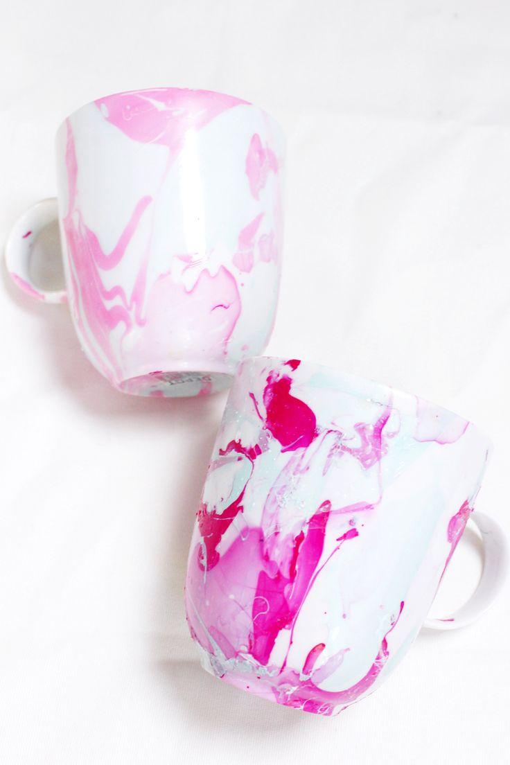 Tassen marmorieren mit Nagellack - DIY Anleitung für trendige Marmor Muster