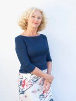 Fashion for Women Over 60 - now this is a pretty look!  And this site has some good advice.
