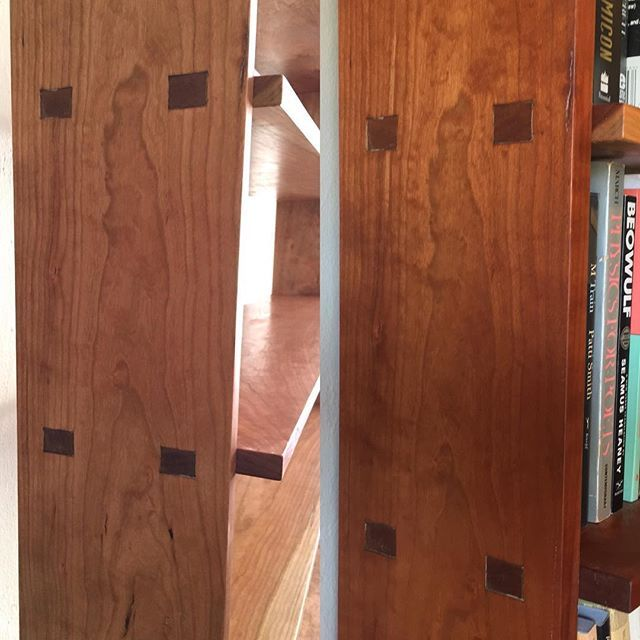Tall Open Bookcase Cherry. Why cherry is such a wonderful wood. A year or so on this bookcase has deepened into a beautiful rich tone. Finished in pure tung oil. . . #furniture #finewoodworking #ericblanpiedfurniture #woodworkersofinstagram #oaklandart #cherry #bookcase #bookshelves #study #design #books