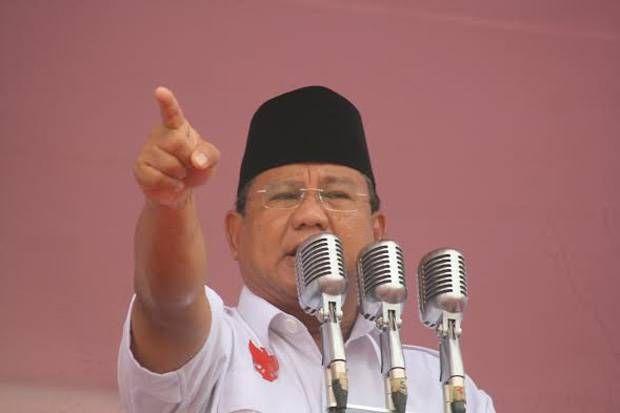 Prabowo: Membela Hak Rakyat tak Bisa Disebut Makar  Prabowo Subianto  JAKARTA (SALAM-ONLINE): Ketua Umum Partai Gerindra Prabowo Subianto menegaskan membela hak rakyat tidak bisa disebut makar atau penggulingan kekuasaan yang sah.  Membela hak rakyat membela keadilan tidak bisa dikatakan makar dan selama sejarah manusia tidak pernah ketidakadilan menang kata Prabowo di DPP Gerindra Jl RM Harsono Ragunan Jakarta Selatan Sabtu (1/4/2017).  Prabowo menyampaikan hal ini saat menghadiri deklarasi…