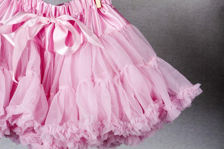 Pink full pettiskirt. Find it at teablossomkids.com