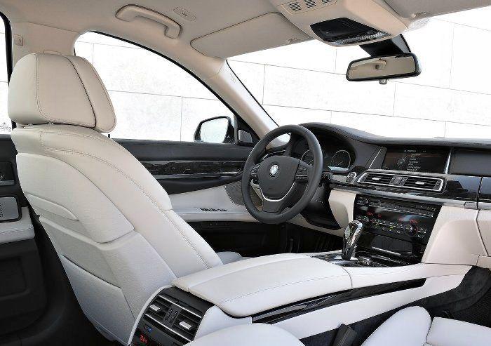 BMW 7 Series  Interor Photo