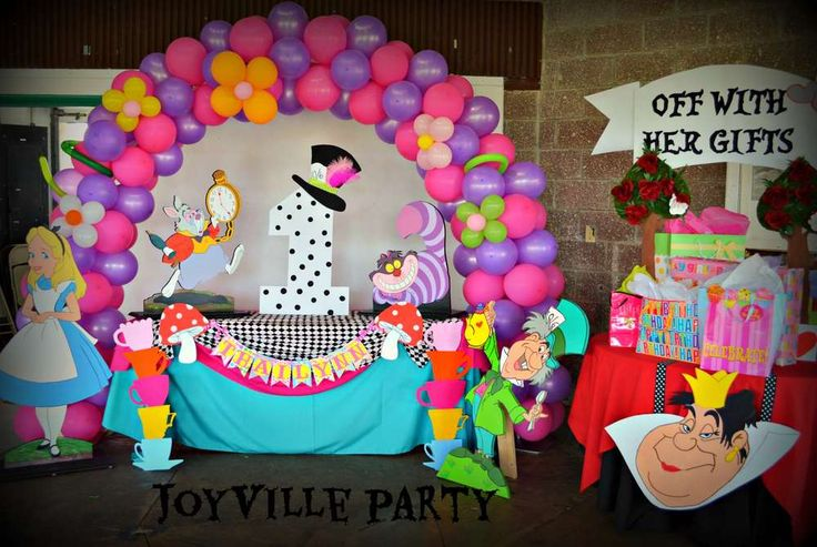 Alice in Wonderland Birthday Party Ideas | Photo 4 of 13 | Catch My Party