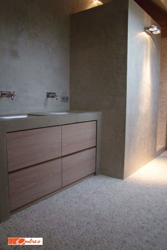 17 beste idee n over buiten badkamer op pinterest zwembad badkamer zwembad handdoek opslag en - Italiaanse douche mosai dat ...