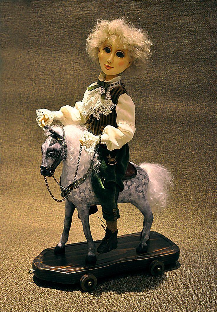Мальчик на лошадке