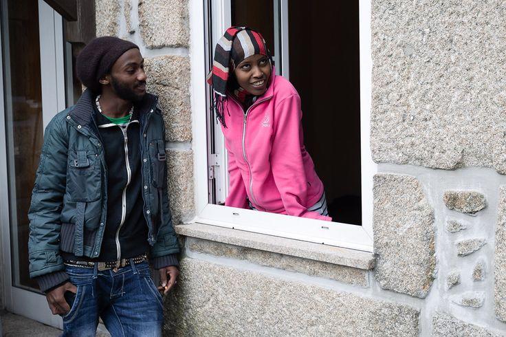 """Binyam é agora Benjamim e começou uma """"vida nova"""" em Penafiel - PÚBLICO  Casal da Eritreia chegou a Portugal em Dezembro, e já está instalado num t1 no centro histórico de Penafiel. Benjamim Abebe diz que este é o """"começar de uma vida nova""""."""