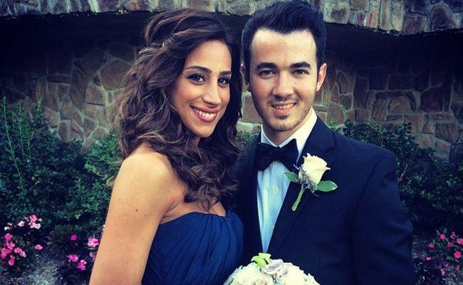 See Danielle Jonas's Pretty Bridesmaid Dress!