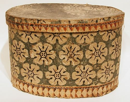 Early 19th century American hat box with some wear: Susan Parish Antiques