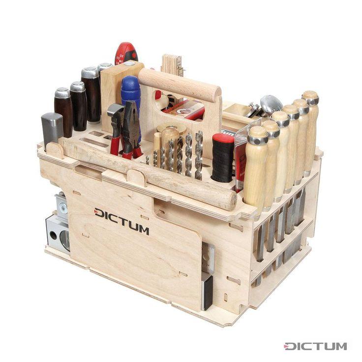 Ein Grundsortiment an Handwerkzeugen für alle Aufgaben rund um Schreinerei und Innenausbau. Dieser Träger bietet darüber hinaus in zwei Schubladen Platz für Kleinteile. Auf 62 Teile erweiterbar, siehe Nr. 718816 . Der Werkzeugträger ist bestückt mit: Stemmeisen Nr. 710781 , -782, -783,-785, -786, -787; Sägen Nr. 712848 , -104; Hobel Nr. 703108 , -101; Zangen Nr. 717822 , -808; Schraubendreher Nr. 717800 , -801, -803, -804; Spannungsprüfer Nr. 800330; Holzspiralbohrer Nr. 706040 , -041, -042…