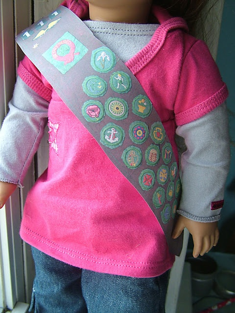"""small world land: Mini Scout Sash  Pattern for 18"""" doll."""