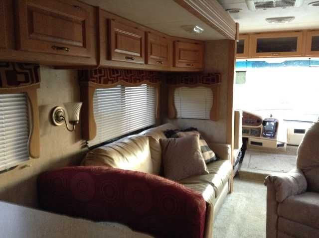 2008 Used Damon Daybreak 3578 Class C in Kentucky KY.Recreational Vehicle, rv, 2008 Damon Daybreak 3578, Second home !! 2008 Rare King size bed,beautiful with many extras, dual heat and a/c units vented, shower/bath, two flat panel tvs, cd stereo throughout , plenty of storage inside and out,gas engine,28000 actual miles, cable tv setup ,quality cabinets everywhere, call for more information 270-784-4730. ,270-202-0941 or 270-846-0389 leave message $49,000.00 2707844730