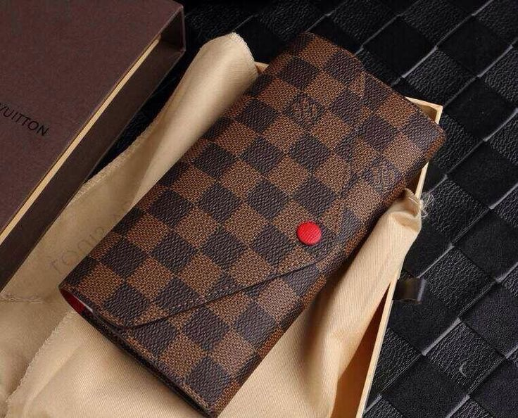 Louis vuitton ebene Josephine wallet  Eight card slots, three flat pockets…