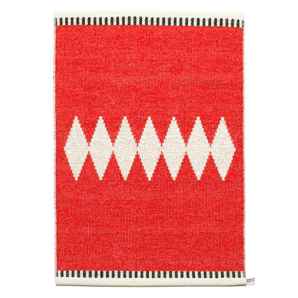 Tyra Red Vanilla- Low maintenance- high style plastic rug More from Pappelina and they can go in the washing machine!