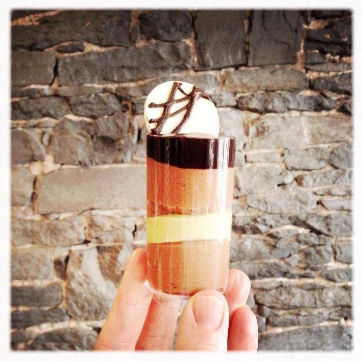 LaBKRY Verrines #mousse #chocolate #pistachio https://www.facebook.com/LaBKRY Natasha Bouchard