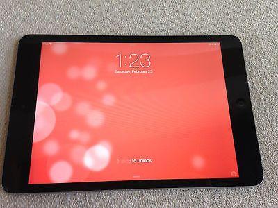 Apple iPad mini 1st Generation WORKS- CRACKED SCREEN- READ DESCRIPTION