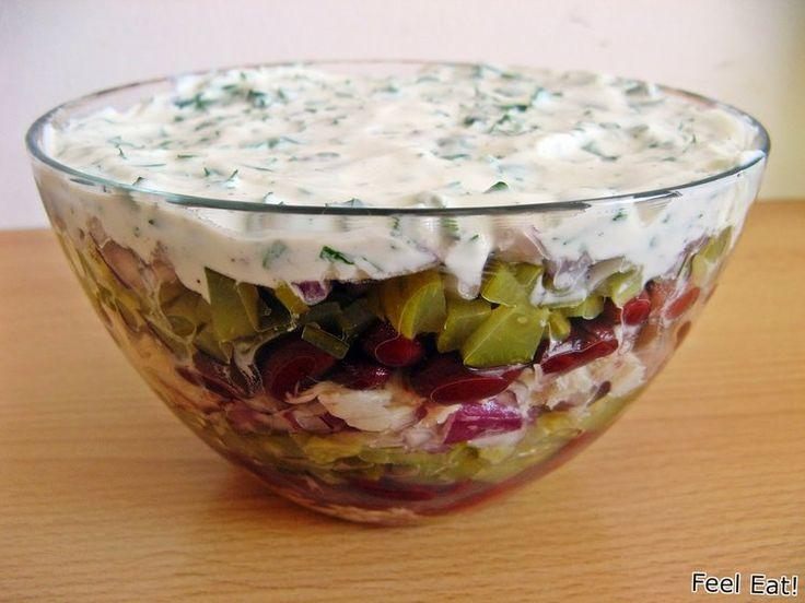 Dietetyczna sałatka warstwowa