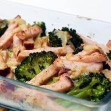 Broccoligratäng med kassler