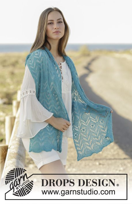Sea Hug lace scarf by DROPS Design. Free Knitting Pattern
