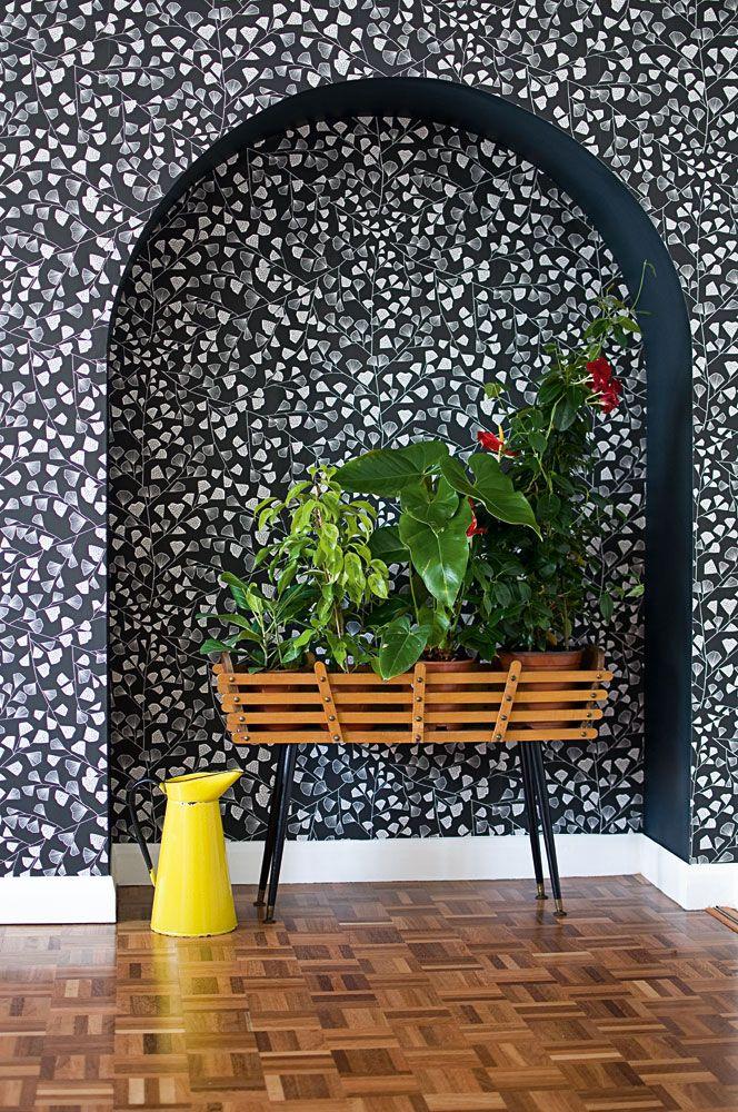 Inspirerande hall med tapet från kollektionen Miss Print 4 MISP1168. Klicka för att se fler fina tapeter för ditt hem!