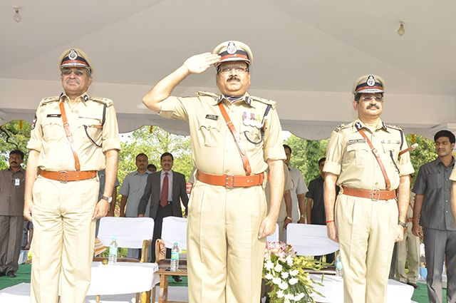 Grand farewell to DGP Prasada Rao - click here for full story.... http://www.thehansindia.com/posts/index/2014-06-06/Grand-farewell-to-Prasada-Rao-97615