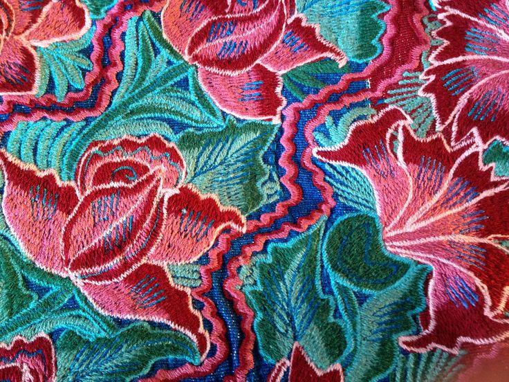 Vibrant colors at rancholascascadas.com