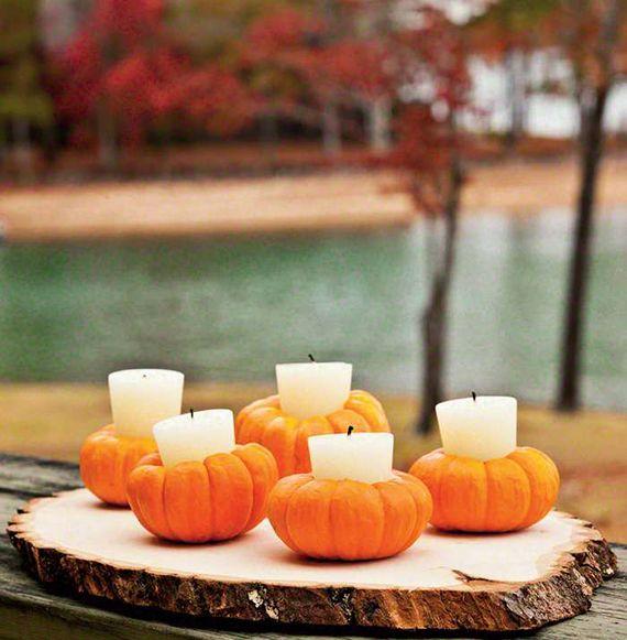 Coole Tischdeko Idee Mit Diy Kurbis Kerzenhaltern Und Weissen Kerzen