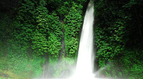 Munduk Waterfall www.travelling-bali.com