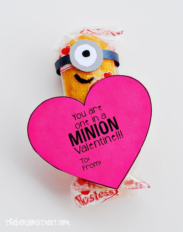 """DIY Easy Printable Minion Heart Valentine """"You are One in a Minion Valentine"""" ~ Minion Twinkies... These are perfect to give to classmates, friends and kids."""