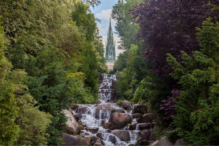 Kreuzberger Waterfalls located in the Viktoria Park, design by Hermann Mächtig Berlin's city garden director in 1893. #discoveredtreasures #berlin #viktoriapark #kreuzberg #waterfalls