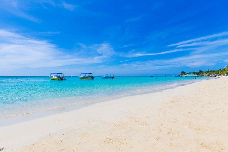 Bananarama beach resort for sale on roatan dive resort