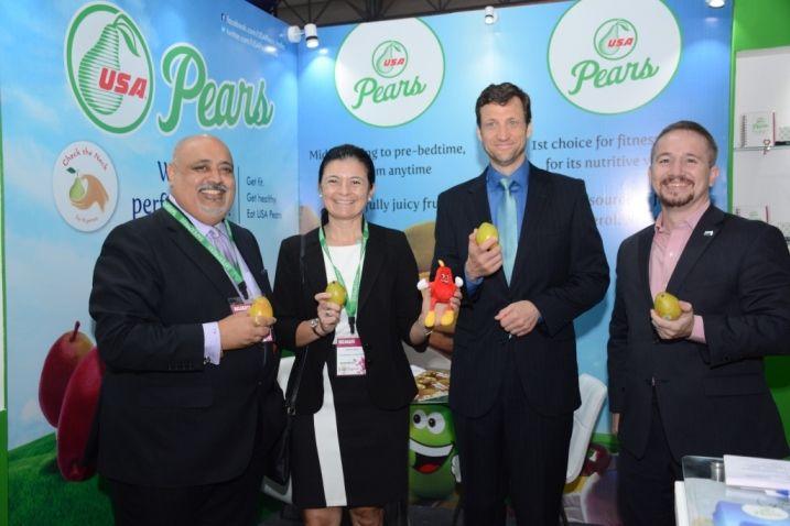 Master Chef Varun Imandar and Chef Dinesh Patel Create Magic with USA Pears at India Food Forum