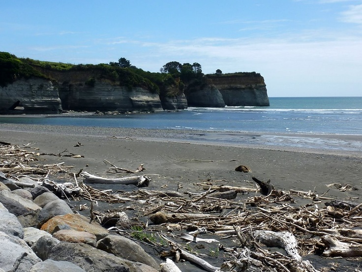 Urenui Beach, Taranaki,  went  here this afternoon - a perfect Sunday walk....coffees at the Mud Cafe followed by icy poles at the campsite....