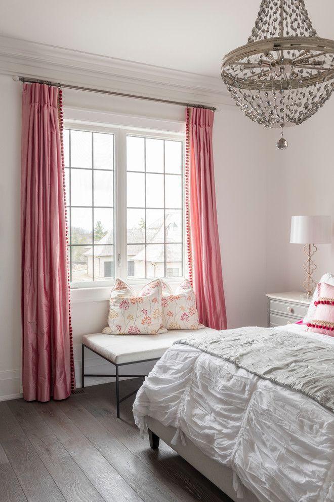 Занавески в спальню: обзор трендовых новинок и 85+ эстетически совершенных идей для комнаты http://happymodern.ru/zanaveski-v-spalnyu-foto/ Классические шторы из розовой тафты подойдут для девичьей спальни