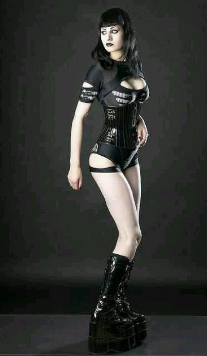 Sexy Goth and you will crawl before her. #goth / #punk / #emo ♥ thedeliciousness.net (18+) ♥